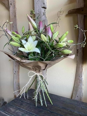 Natural Lily Bouquet